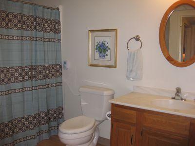 Ephrata Manor Apartment Bathroom