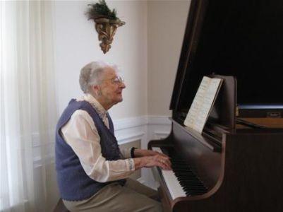 KPA Mrs. O\'Neal Playing Piano